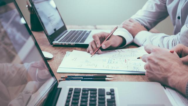 A NAV-nál kell intézni az egyéni vállalkozói ügyeket