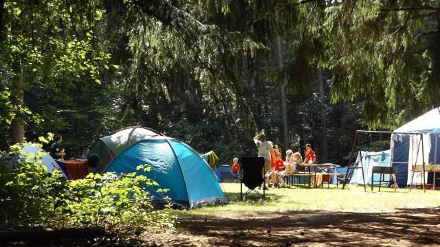 A nyári szünetben lehet ottalvós táborokat szervezni