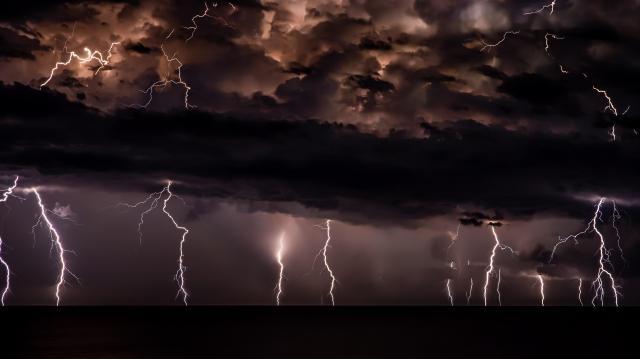 Az egész országban várható zivatar, felhőszakadás