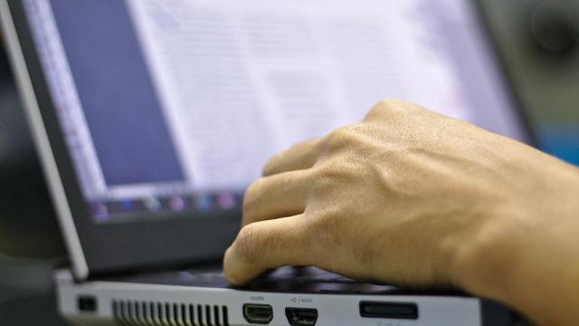 Délig lehet jelentkezni az ingyenes online informatikai oktatásra