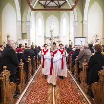 Június 14-től ismét kötelező a katolikus híveknek a vasárnapi szentmise