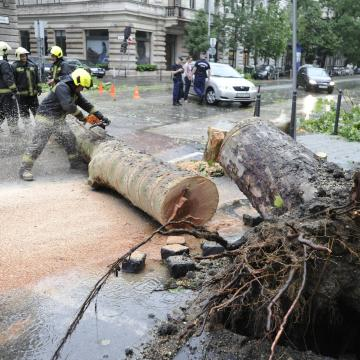 Másfél milliárdos kárt okozhatott a hétvégi vihar