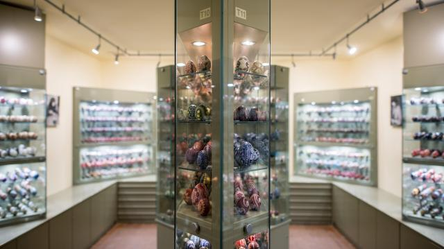 Megújulva várja a látogatókat a zengővárkonyi Míves Tojás Múzeum