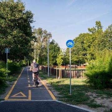 Kerékpárúttal kötötték össze Pécsett a belvárost a keleti résszel