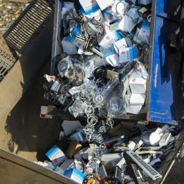 Megkezdi a kormány az illegális hulladéklerakók felszámolását