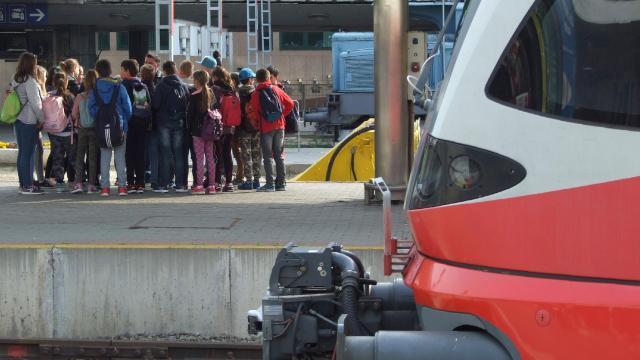 Nyáron is ingyen utazhatnak vonaton az iskolás csoportok