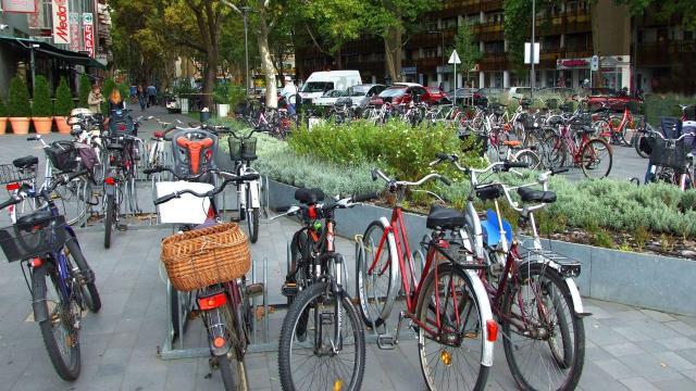 Ötmilliárd forintos kerékpáros fejlesztések kezdődnek