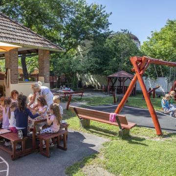 1400 óvodát újítanak fel a Magyar falu program részeként