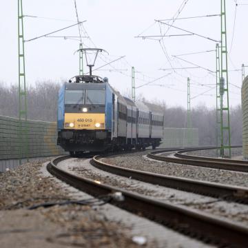 Egyórás késések is lehetnek a Budapest-Cegléd-Szolnok vasútvonalon