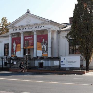 Három új eredeti festmény a Munkácsy Mihály Múzeumban