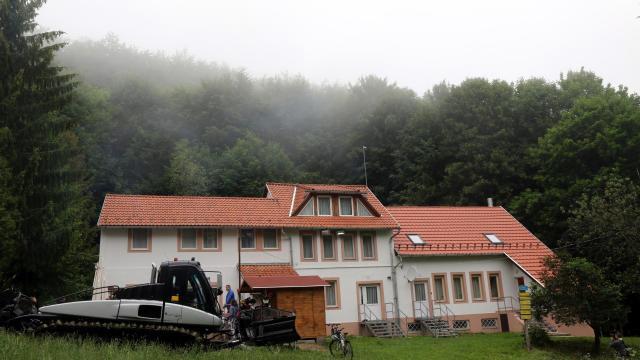 Itt az idő kirándulni menni, megújulnak a turistaházak
