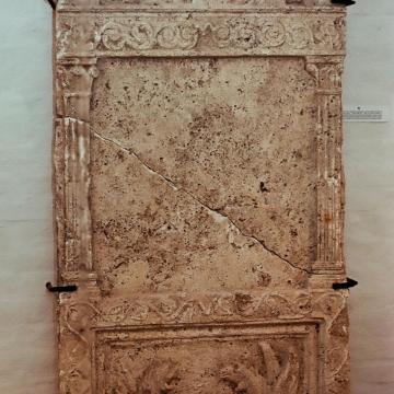 Két római kori sírkődarabot illesztettek össze Kékkúton