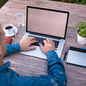 Megmaradhat a home office és a csökkentett munkaidő