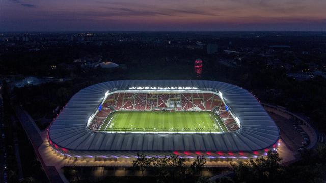Négy nap alatt nyolc stadionkoncert