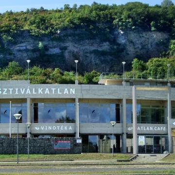 Számos programmal várja a közönséget a Tokaj Fesztiválkatlan