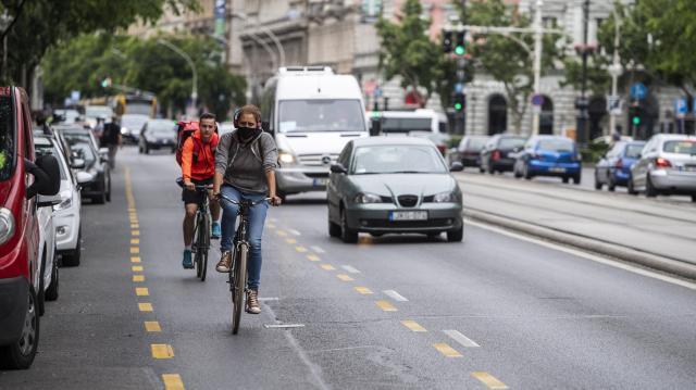 Tartsuk a biztonságos oldaltávolságot a biciklisek érdekében!