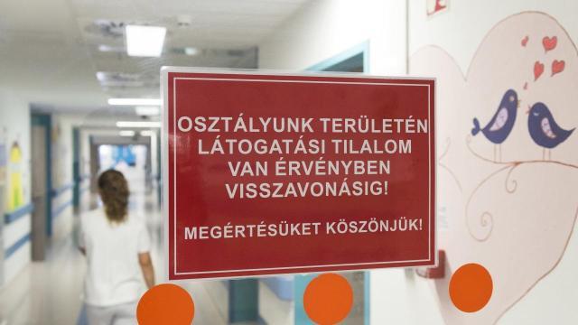 További kórházakban rendeltek el látogatási tilalmat