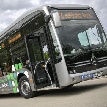 Átadták a Homm Kft. autóbusz-javító és -karbantartó központját