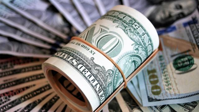 Az orvosi bér megduplázásáról tárgyal a kormány