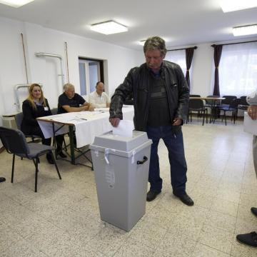 Balogh Miklós nyerte az időközi polgármester-választást Alsószentmártonban