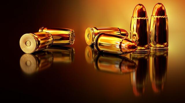 Engedély nélkül tartott géppisztolyt és lőszereket egy férfi Baranyában