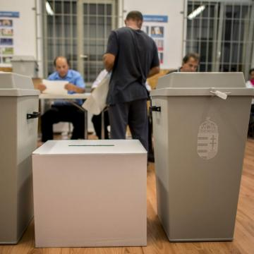 Hat településen tartanak időközi önkormányzati választásokat vasárnap