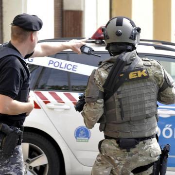 Vádat emeltek egy börtönőrre támadó fogvatartott ellen Szegeden