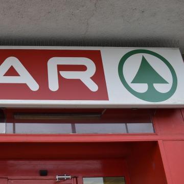 A Spar 2,7 milliárd forintból bevásárló központot épített Törökbálinton
