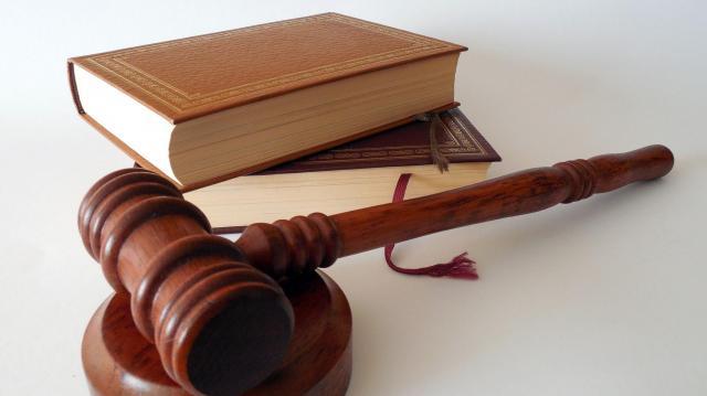 Áder János elrendelte az egészségügyi törvény kihirdetését