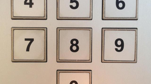 Jövőre is maradhat az érintéses kártyás fizetéseknél a PIN-kód nélküli 15 ezer forintos értékhatár