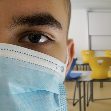 A kórházban ápolt 7 512 beteg közül 604-en vannak lélegeztetőgépen
