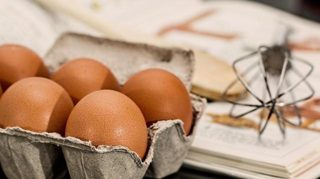 Áremelésre kényszerülnek a tojástermelők a takarmánydrágulás miatt