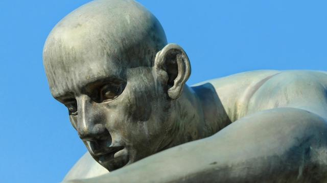 Hajós Alfréd emlékszobor készítésére hirdetnek pályázatot