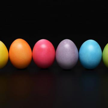 Januártól nemzeti színű zászlót kap a tojás