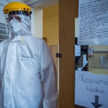 Koronavírus - Meghalt 111 beteg, 1513-mal nőtt a fertőzöttek száma Magyarországon