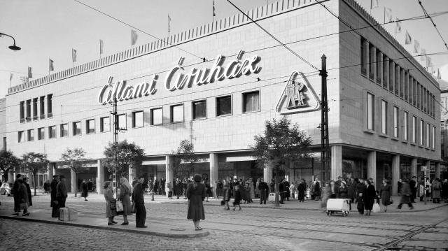 Már 70 ezer fotó érhető el online a Főfotó archívumából a szocialista korszakról