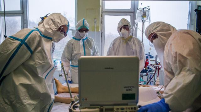 Meghalt 165 beteg, 3470-nel nőtt a fertőzöttek száma Magyarországon