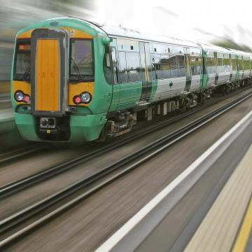 Minden szinten teljes gőzzel zajlanak a vasúti fejlesztések