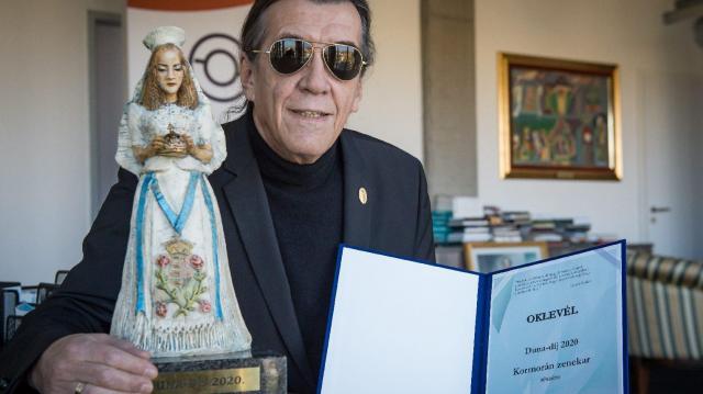 Online műsorban adták át a közmédia legrangosabb díjait