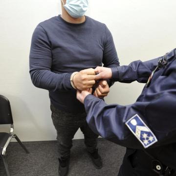 Őrizetbe vettek egy felsőlajosi férfit, akit korábbi élettársa megölésével gyanúsítanak