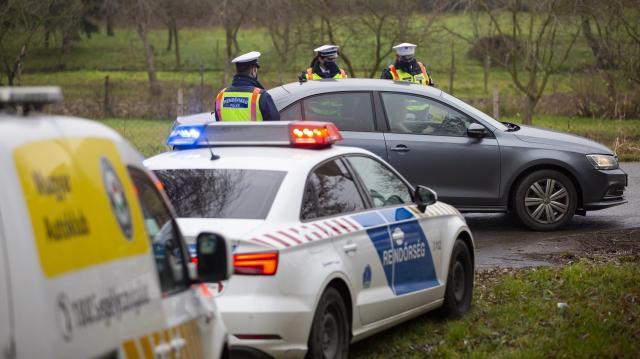 Többen megsérültek egy balesetben a 37-es főúton Szerencsnél