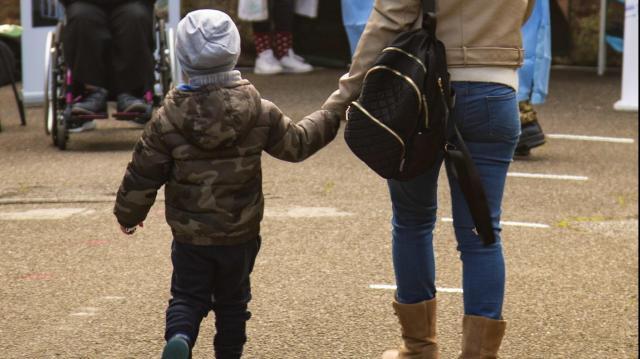 Vádat emeltek a nevelt gyermekét bántalmazó férfi ellen