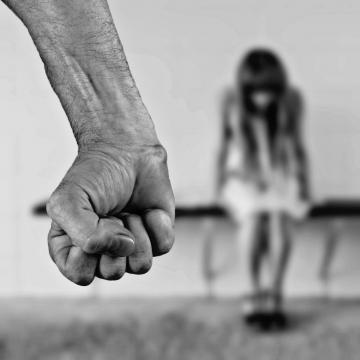 Van segítség a kapcsolati erőszak ellen