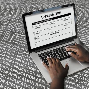Csalók pénzért kínálják a KarrierM állásportál ingyenes szolgáltatásait