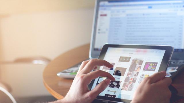 Egy éve segítik az időseket, családokat a Digitális Jólét Program önkéntesei