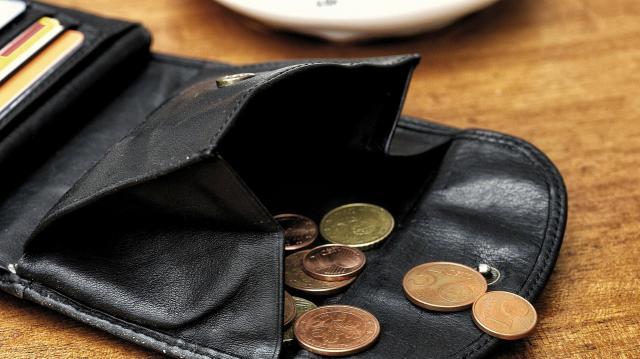 Eladósodás elleni limitek felállítását várja el az MNB
