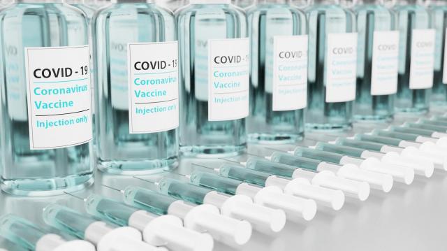 Hamarosan újabb két vakcina válhat elérhetővé hazánkban