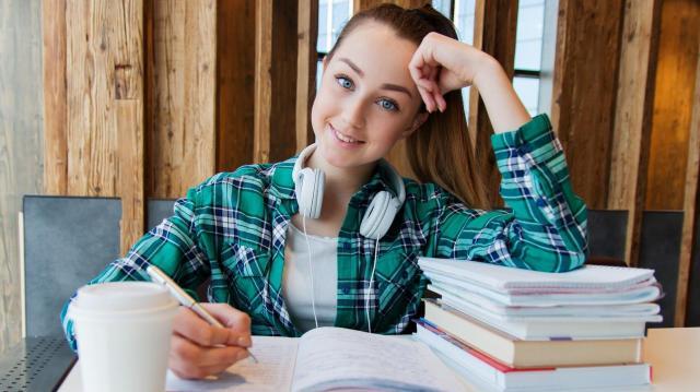 Jelentősen emelkedett a felsőoktatásba jelentkezők száma