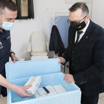 Koronavírus - Meghalt 136 beteg, 4211-gyel nőtt a fertőzöttek száma Magyarországon