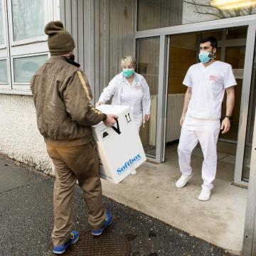 Koronavírus - Meghalt 98 beteg, 1279-cel nőtt a fertőzöttek száma Magyarországon